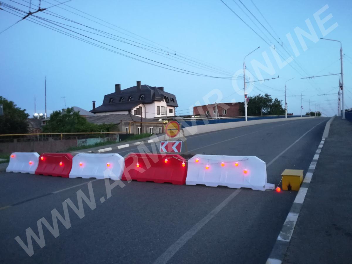 Зачем мост закрыт второй день и тишина. телефон +7 901 102 22 85 купить на сайте объявления Армавир онлайн