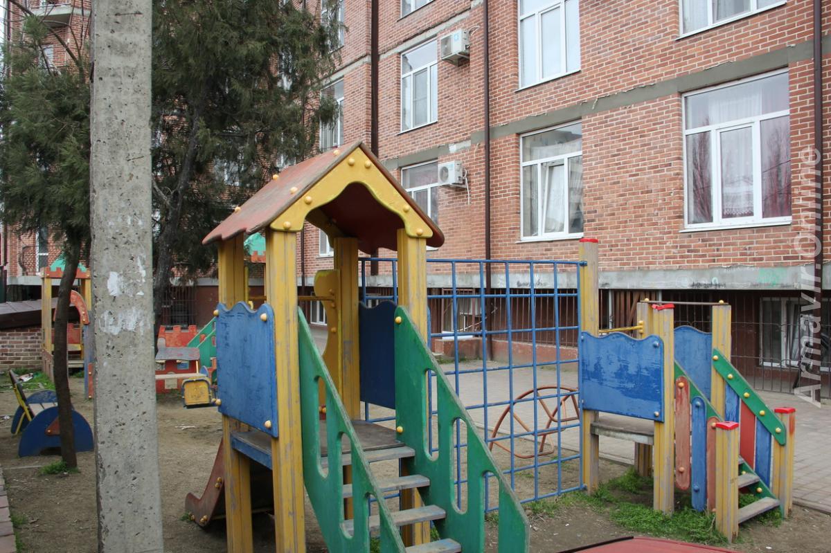 Продаю 2-комн квартиру, 93 кв м,  Краснодар