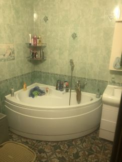 Продаю 2х комнатную квартиру, 74 м кв., 1/3 эт. . телефон +79182618527 купить на сайте объявления Армавир онлайн