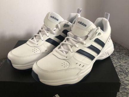 Кроссовки adidas. телефон +7 900 333 45 20 купить на сайте объявления Армавир онлайн