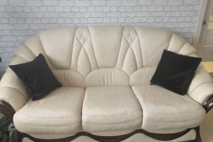 Диван и 2 кожаных кресла . телефон +79094782400 купить на сайте объявления Армавир онлайн