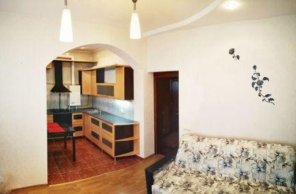 Продаю 2х комнатную квартиру, 75 м кв., 5/6 эт. . телефон +79181478153 купить на сайте объявления Армавир онлайн