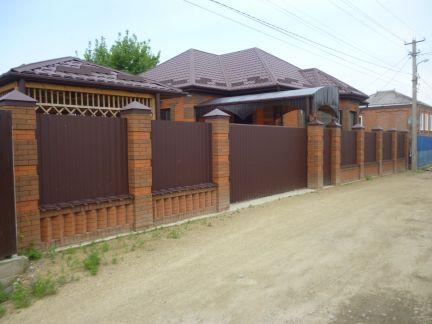 Дом 110 м кв. на участке 4.5 сот. . телефон +79615158166 купить на сайте объявления Армавир онлайн